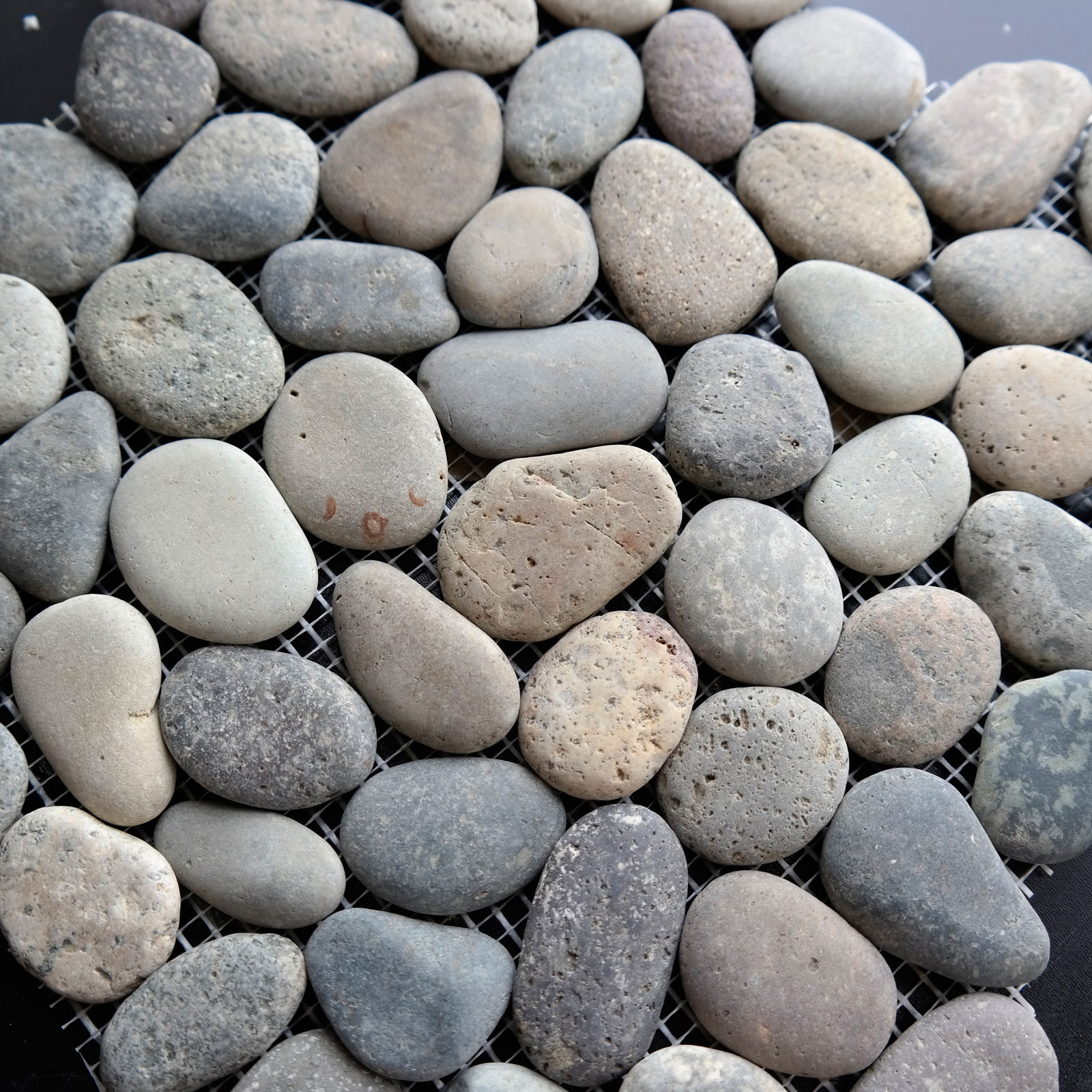 Round Pebble Mosaic Borneo Stone Honed